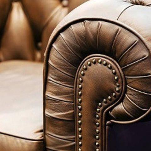 Membeli Sofa Bekas Pria Ini Temukan Uang Ratusan Juta