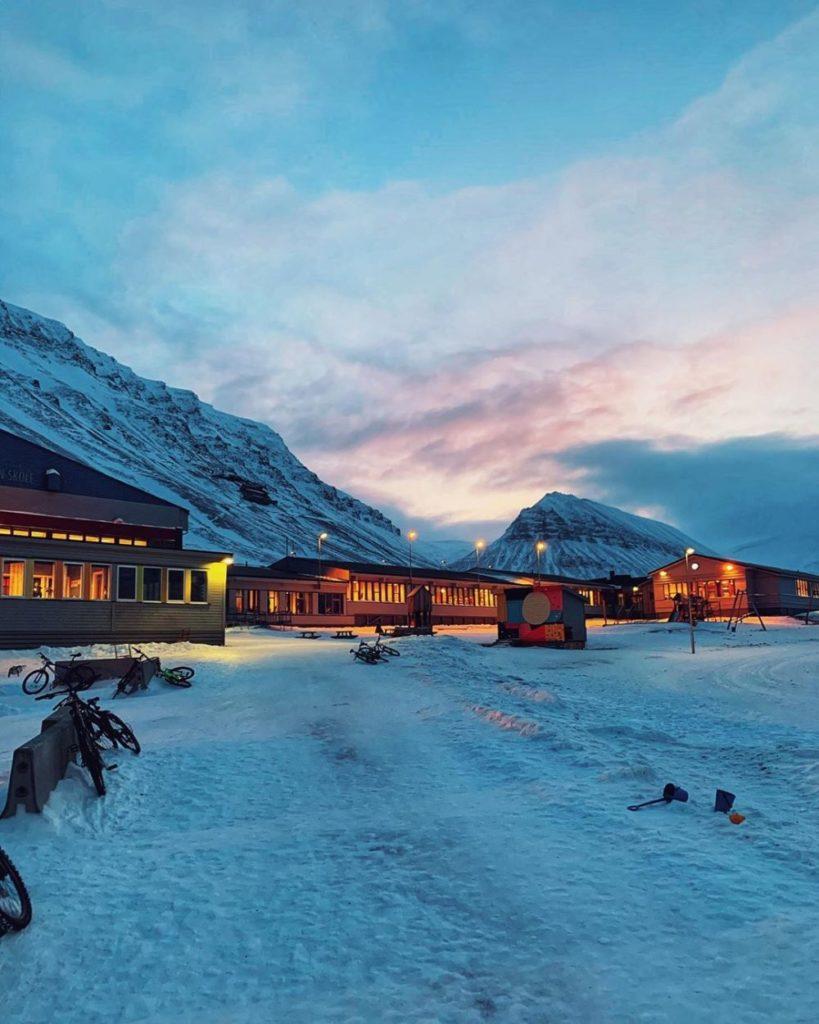 12 Pesona Kepulauan Svalbard yang Indah Banget!