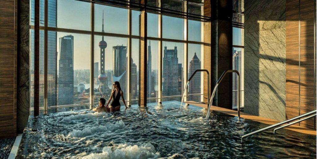 10 Kolam Renang Paling Instagramable di Dunia