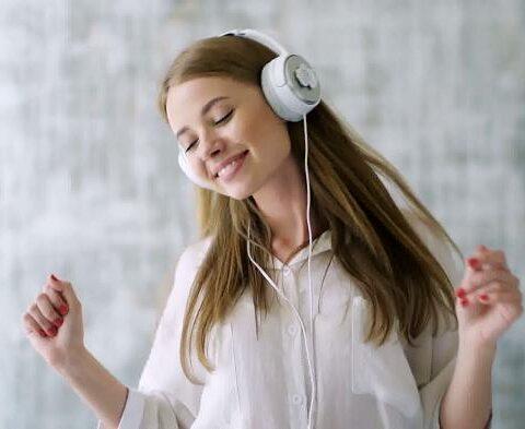 Dengerin Musik Bisa Turunin Berat Badan