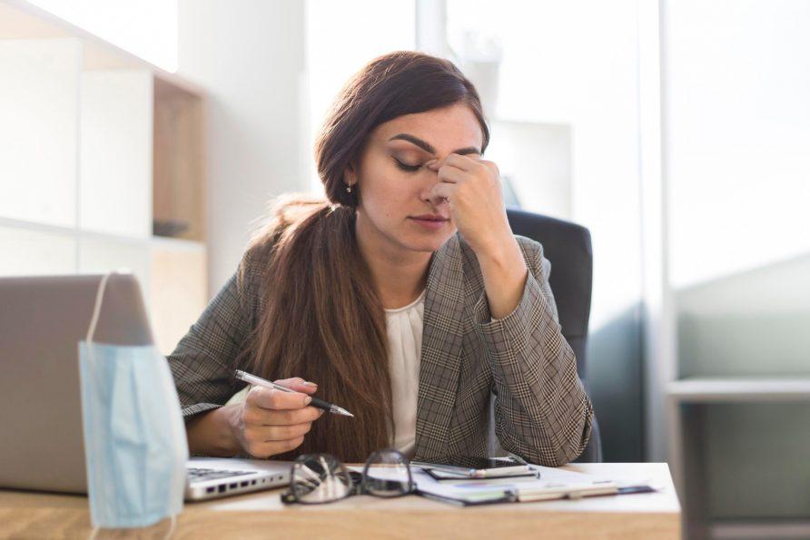 Tips Menyelesaikan Pekerjaan Saat Tubuh Gak Fit
